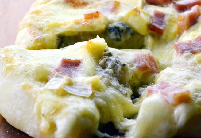 ゴルゴンゾーラピザ