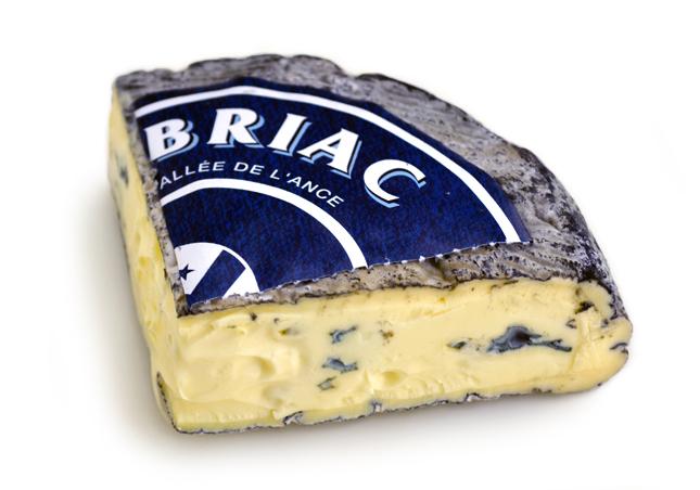 モンブリアック 1/2カット【約250g】【青カビ/ブルーチーズ/フランス】