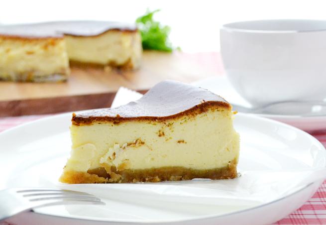 クリームチーズ ピーチメルバチーズケーキ