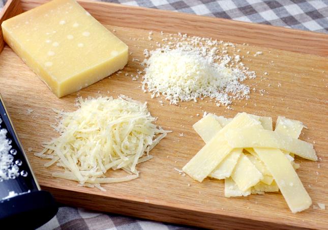 BOSKAチーズおろし釣鐘型2